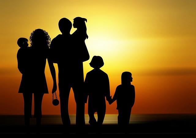 family-730320_640